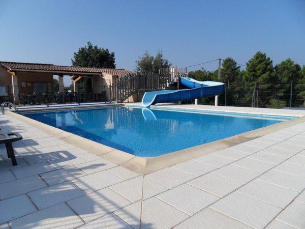 Zwembad van het vakantiedorp
