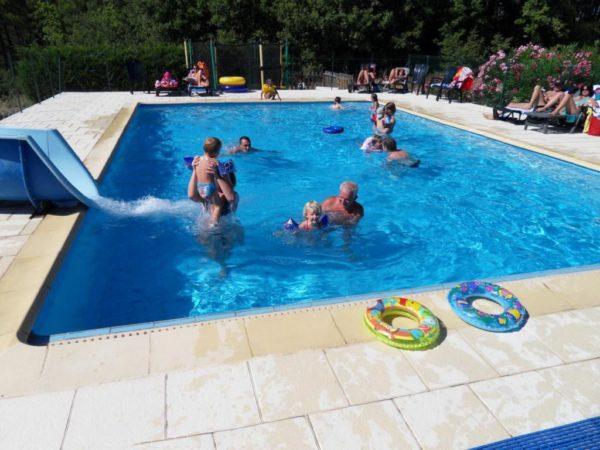 La piscine du village de gîtes
